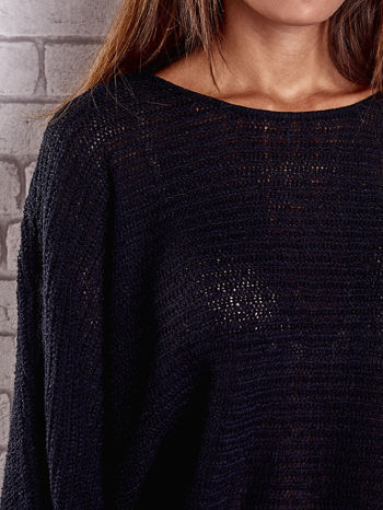 Czarny sweter oversize z rozcięciami po bokach                                  zdj.                                  6
