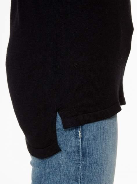 Czarny sweter z dłuższym tyłem i rozporkami po bokach                                  zdj.                                  8
