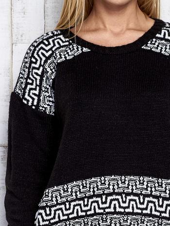 Czarny sweter z geometrycznymi splotami                                  zdj.                                  6