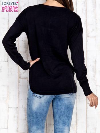 Czarny sweter z okrągłym dekoltem                                  zdj.                                  4