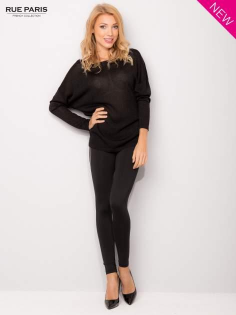 Czarny sweter z opuszczonymi rękawami przeplatany metalizowaną nicią                                  zdj.                                  5