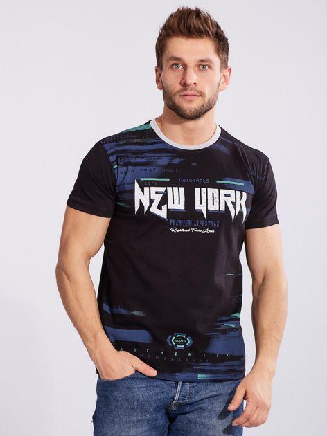 Czarny t-shirt dla mężczyzny z printem                              zdj.                              3