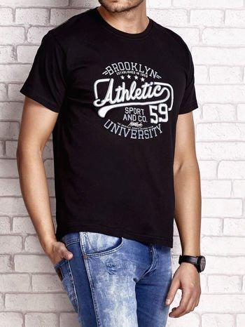 Czarny t-shirt męski z napisem BROOKLYN ATHLETIC UNIVERSITY                                  zdj.                                  3