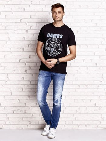 Czarny t-shirt męski z napisem RAMOS i nadrukiem                                  zdj.                                  4