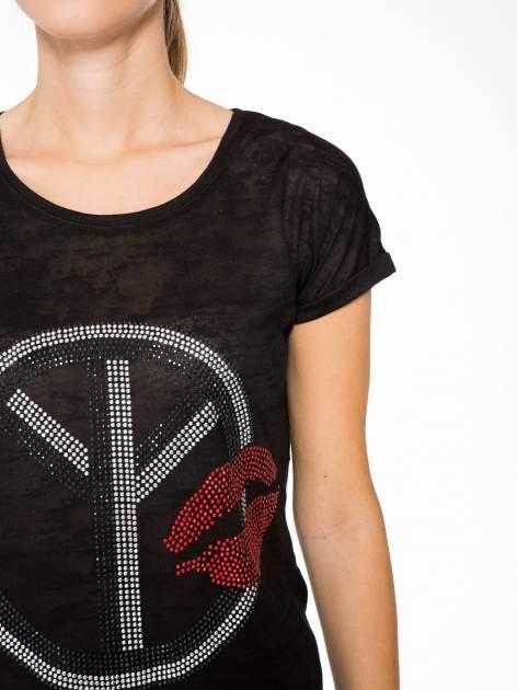 Czarny t-shirt z aplikacją z dżetów                                  zdj.                                  6