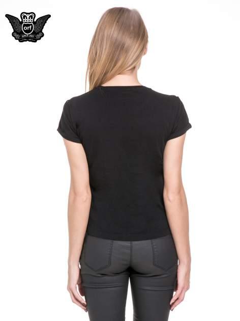 Czarny t-shirt z frędzlami z przodu                                  zdj.                                  4