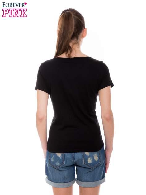 Czarny t-shirt z metalicznym nadrukiem w cętki pantery                                  zdj.                                  3