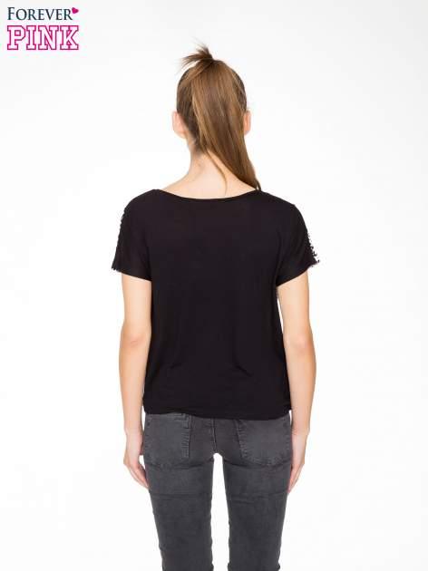 Czarny t-shirt z motywem pantery                                  zdj.                                  4