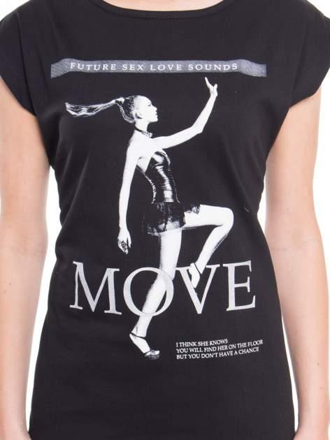 Czarny t-shirt z nadrukiem kobiety i napisem MOVE                                  zdj.                                  4