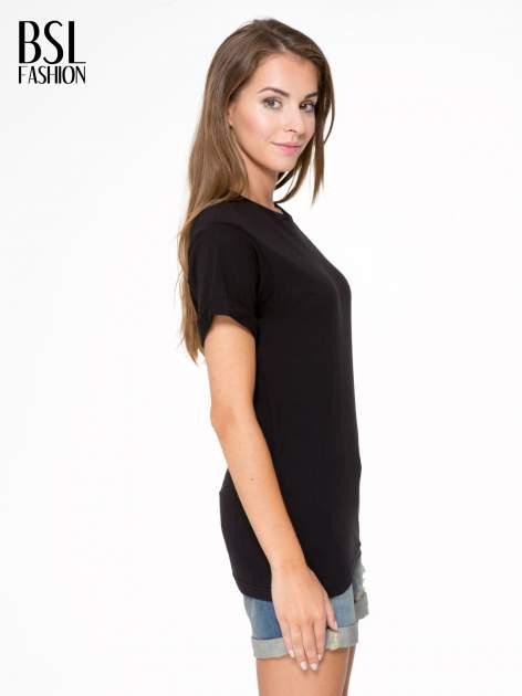 Czarny t-shirt z nadrukiem numerycznym AZZEDINE 40 z tyłu                                  zdj.                                  4