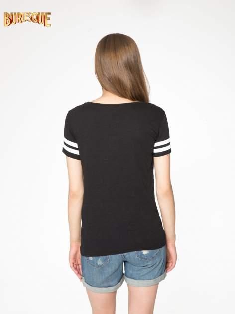 Czarny t-shirt z nadrukiem numerycznym w stylu baseball                                  zdj.                                  4