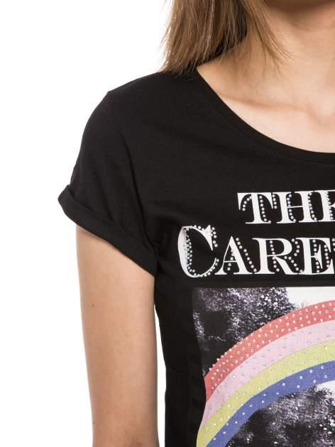 Czarny t-shirt z nadrukiem troskliwych misiów                                  zdj.                                  5