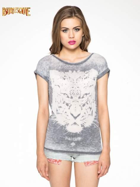 Czarny t-shirt z nadrukiem tygrysa                                  zdj.                                  3