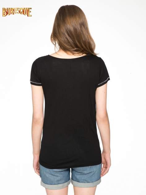 Czarny t-shirt z nadrukiem wieży Eiffla                                  zdj.                                  4