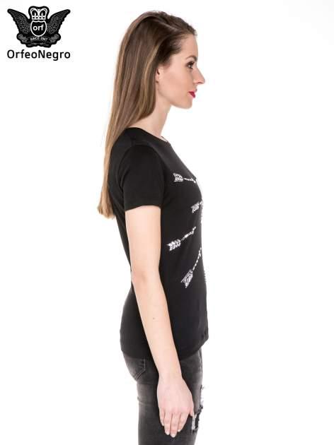 Czarny t-shirt z nadrukiem złamanego serca                                  zdj.                                  3