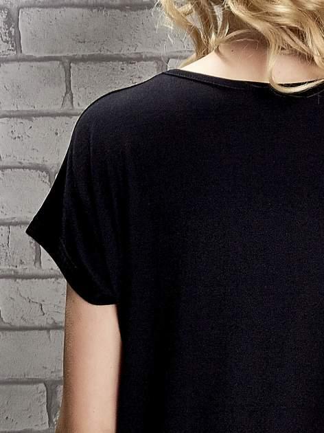 Czarny t-shirt z napisem I AM CHOCOHOLIC BABY                                  zdj.                                  5