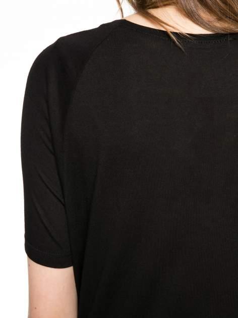 Czarny t-shirt z napisem LIVE IN THE SUNSHINE z dżetów                                  zdj.                                  10