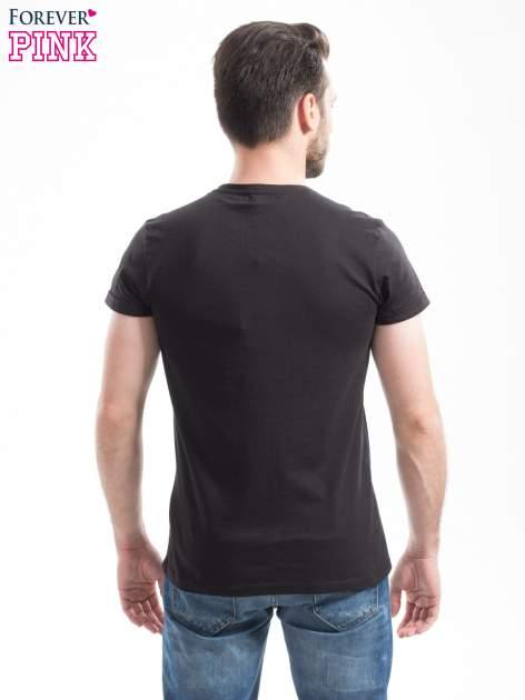 Czarny t-shirt z napisem SKY IS THE NEW REBEL                                  zdj.                                  3