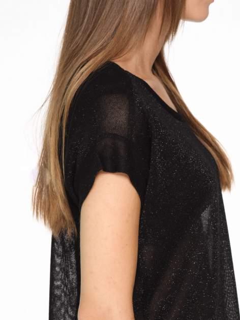Czarny transparentny t-shirt przeplatany srebrną nicią                                  zdj.                                  8