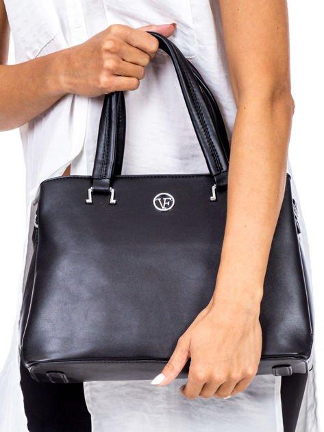 2d23e9ea2678d Czarny trapezowa torebka kuferek do ręki - Akcesoria torba - sklep ...
