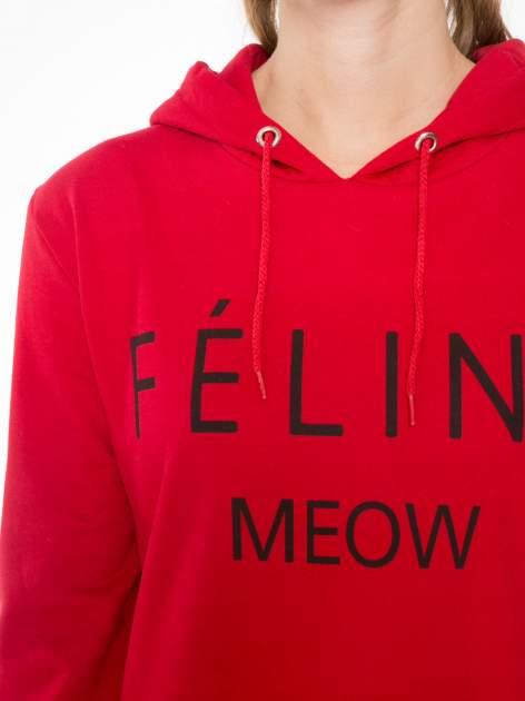 Czerwona bluza kangur z kapturem i nadrukiem FÉLINE MEOW                                  zdj.                                  5