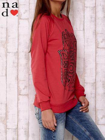 Czerwona bluza z motywem dłoni                                  zdj.                                  3