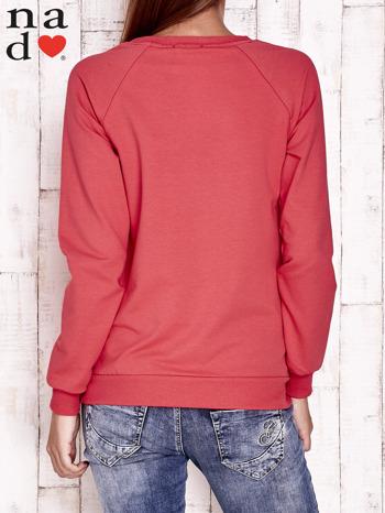 Czerwona bluza z piórkiem                                  zdj.                                  4