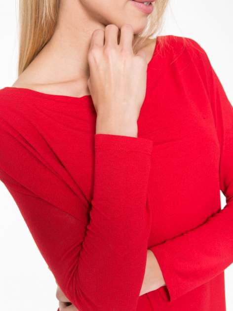 Czerwona bluzka z dekoltem na plecach                                  zdj.                                  8