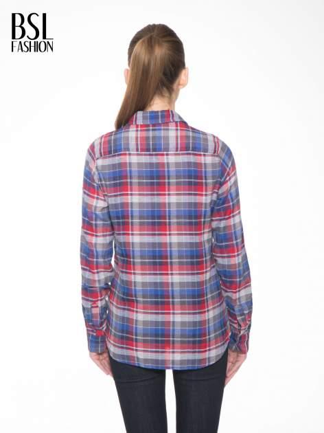 Czerwona koszula w kratę z gwiazdkami przy kieszonkach                                  zdj.                                  5