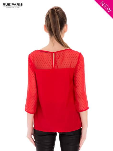 Czerwona koszula z przezroczystym materiałem w groszki                                  zdj.                                  3