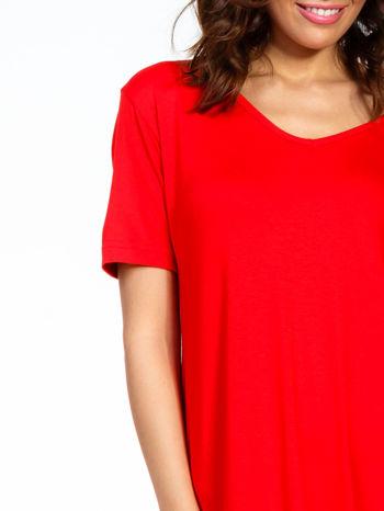 Czerwona luźna sukienka z asymetrycznym dołem                                  zdj.                                  6