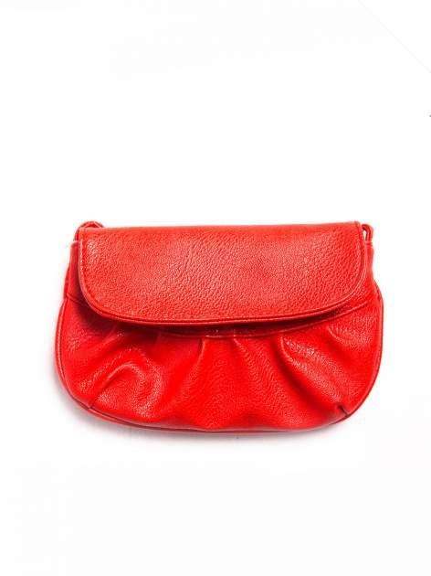 Czerwona mini torebka kopertówka z paskiem