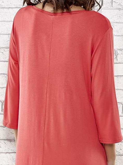 Czerwona sukienka damska z nadrukiem kotów                                  zdj.                                  6