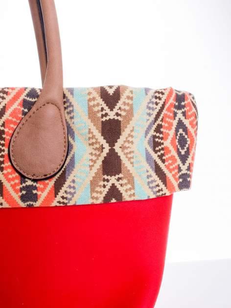 Czerwona torba gumowa z motywem azteckim                                  zdj.                                  5