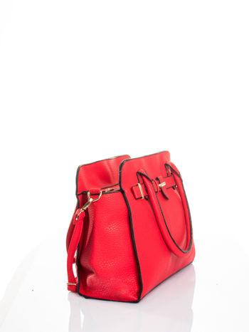 Czerwona torba z klamrami z odpinanym paskiem                                  zdj.                                  3