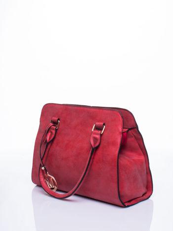 Czerwona torebka miejska z zawieszką                                  zdj.                                  4