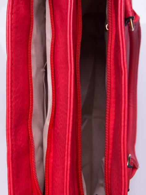 Czerwona torebka ze złotymi okuciami z kryształkami                                  zdj.                                  5