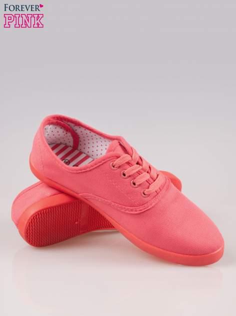 Czerwone klasyczne tenisówki damskie                                  zdj.                                  4