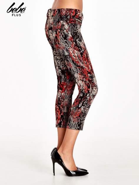 Czerwone spodnie skinny w kwiaty                                  zdj.                                  3