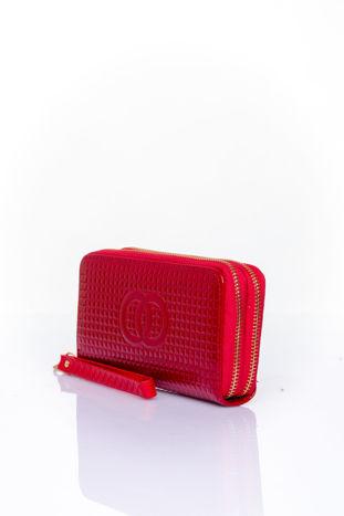 Czerwony pikowany portfel z uchwytem na rękę                                  zdj.                                  3