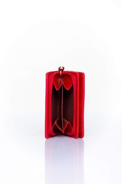 Czerwony portfel z motywem geometrycznej plecionki                                  zdj.                                  4