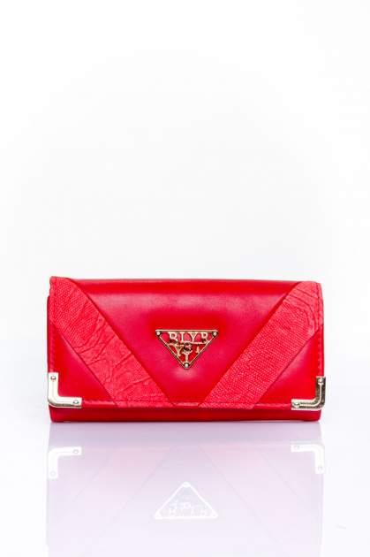 Czerwony portfel z ozdobnym detalem i złotymi okuciami                                  zdj.                                  1