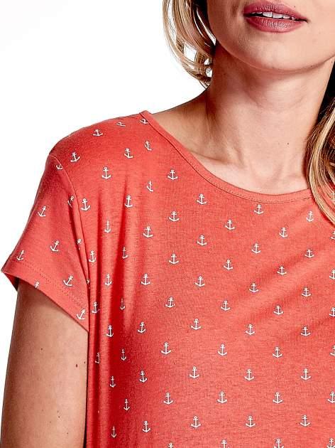 Czerwony t-shirt w drobne kotwice                                  zdj.                                  5