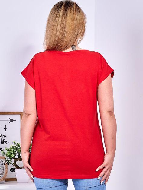 Czerwony t-shirt z jaskrami PLUS SIZE                              zdj.                              2