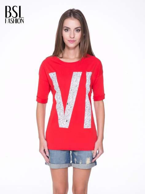 Czerwony t-shirt z nadukiem WIBE z przodu i na plecach                                  zdj.                                  1