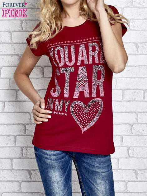 Czerwony t-shirt z napisem YOU ARE STAR IN MY HEART z dżetami                                  zdj.                                  1