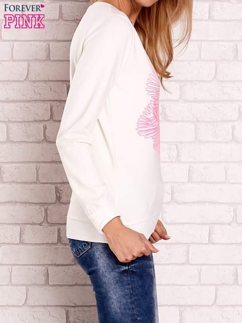Ecru bluza z kolorowym nadrukiem                                  zdj.                                  3