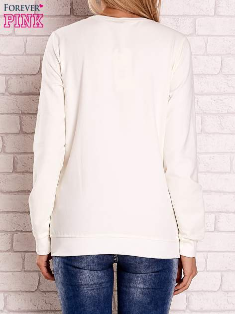 Ecru bluza z kolorowymi naszywkami                                  zdj.                                  2