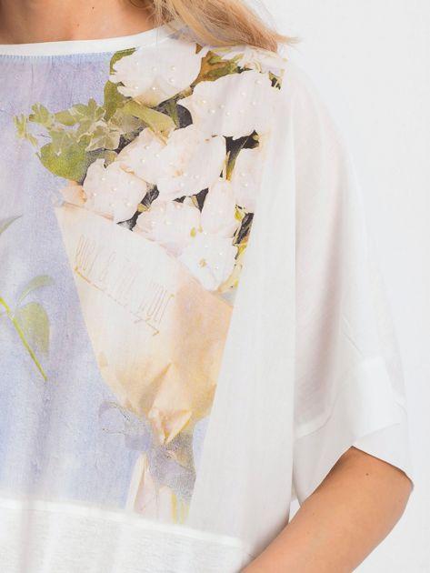 Ecru bluzka oversize z kwiatowym nadrukiem                              zdj.                              5
