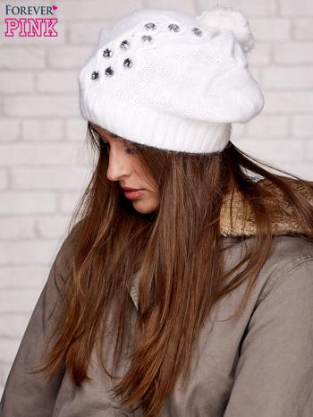 Ecru czapka z angory z aplikacją                                  zdj.                                  2